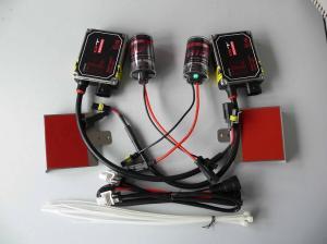 Kit de Xenônio composto por duas lâmpadas e dois reatores.